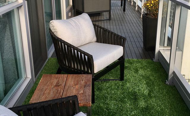 Balcony Fake Grass Design